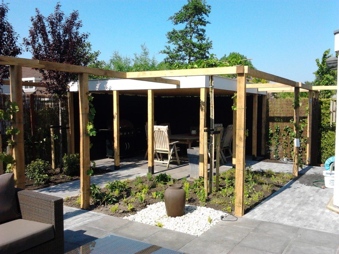 Landelijke tuin met pergola (7)